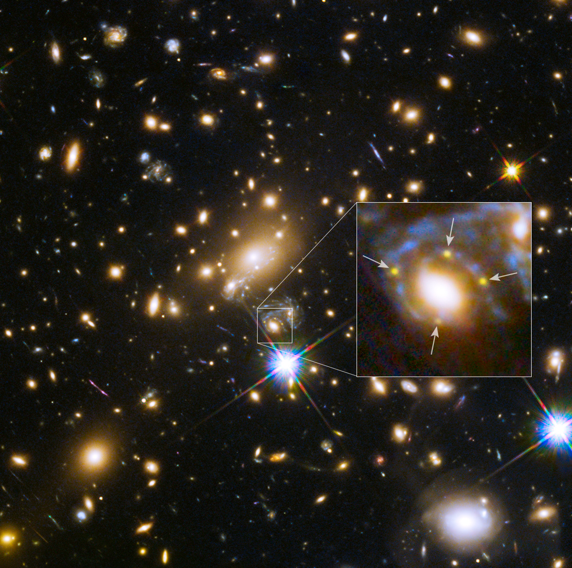 QuadSupernova_hubble_1176